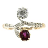 Belle Époque Antique Diamond and Natural Ruby Engagement Ring Romantic Motive Toi et Moi, 1900s
