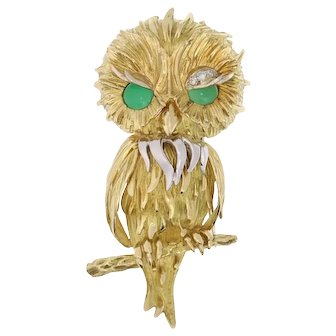 Vintage Fifties French 18K gold brooch owl with diamond eyebrow