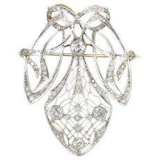 Strong design Art Nouveau diamond pendant that can be worn as a brooch too - anno 1900