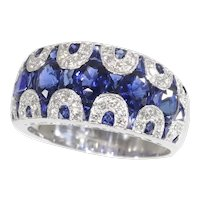 Vintage High Quality 1970's Ring with Diamonds and Sapphire - Great Model! - FREE Resizing*