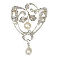 Antique Stylish Art Nouveau Diamond and Pearl Brooch, 1900s