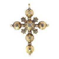 Antique Georgian Yellow Gold Diamond Cross with Old Mine Brilliant cut Diamonds, 1720s