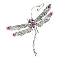 Magnificent Art Nouveau Bejeweled Dragonfly 18 Karat Gold Brooch, 1900s
