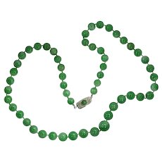 Certified Top Quality Natural Jadeite Necklace of 53 beads, A-Jade, Translucent, 1930s               (ref. 16046-0057)