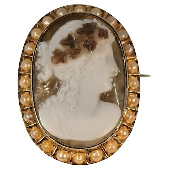Antique carved cameo brooch chalcedony agate  pearl gold mounting c.1880