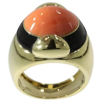 Cabochon Coral and Onyx Ring ca.1970