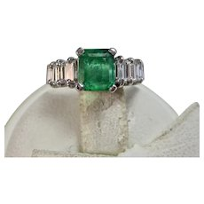 Vintage Estate Natural Columbian Emerald  & Diamond Engagement Anniversary Birthstone Ring 18K
