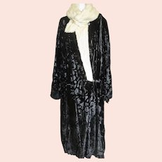 Art Deco Coat Wrapper Silk Velvet Ermine Patterned 1920s