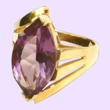 14k Yellow Gold Large Amethyst Gemstone Bypass Ring, Size 8