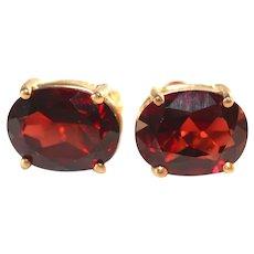 14k Vintage Yellow Gold Large Red Garnet Stud Earrings, Pierced