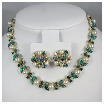 LISNER Necklace and Earrings Stylized Floral Set ~ Faux Pearls and Rhinestones ~ Vintage