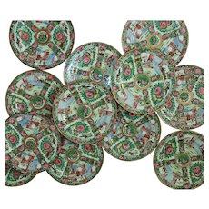 """Set of 12 Chinese Export Dinner Plates 10 1/2"""" Famille Rose Medallion"""