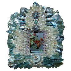 "AMAZING Picture Photo Frame Blue & White Shells and Jewels 2  3/4"" x  1  3/4"" Opening for Miniature"