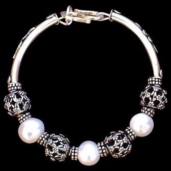 Organic Fresh-Water Pearl & Hand-Made Bali Silver bracelet