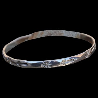 VINTAGE Taxco Silver Bangle with Stamped Sunburst & Angel