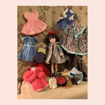 Vintage 14 inch Mary Hoyer and clothing lot