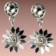 Gorgeous Art Deco 14k White Gold Diamond Geometric Flower Set Pendant Dangle Earrings