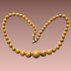 Vintage Art Deco Chinese Graduated Opaque Amber Bead Necklace c1940