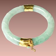 Vintage 14k 585 Gold Carved Vine Leaf Green Jade Hinged Bangle Bracelet
