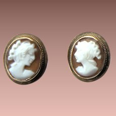 Vintage Italian Italy 585 14k Yellow Gold Shell Portrait Cameo Pierced Post Earrings c1980