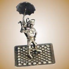 Dutch c1930-50 835/1000 Silver Miniature Figural Group Umbrella Seller