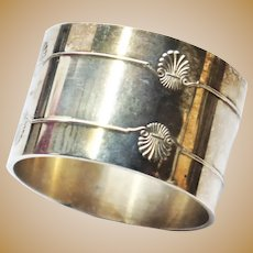 Vintage French Christofle Signed Silver Plate Napkin Ring 'Vendome' pattern Shell Motif