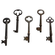 5 Vintage Skeleton Keys