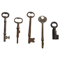Set of 5 Vintage Skeleton Keys