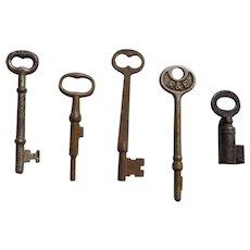 Set of 5 Vintage Skeleton Keys