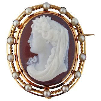 French Antique Victorian 18K Pearl Hardstone Agate Female Cameo Brooch Pendant