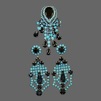 HATTIE CARNEGIE Turquoise and Jet Black Fringe Tassels Pin and Pendant Clip Earrings