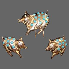 NETTIE ROSENSTEIN Sterling Turquoise Cabochon Pig Clip/Pin and Clip Earrings Set