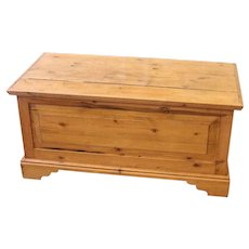 Vintage English Country Pine Trunk, Blanket Box, Hope Chest, Coffee Table.