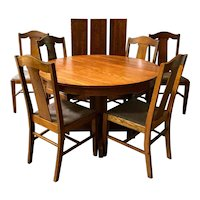 Antique Oak Mission Craftsman Style Round Dining Table with 3 Leaves and 6 Chairs Dining Set.