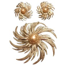 Vintage Sarah Coventry Swirl Pin/Brooch and Earrings Set