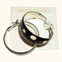 Vintage 1960s Polka Dot Enamel Hoop Earrings