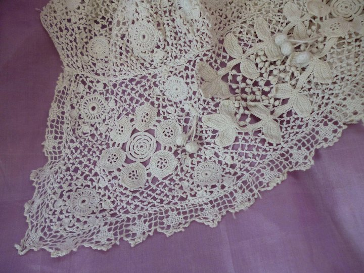 Adorable Old French White Hand Made Fine Irish Lace Crochet Childs