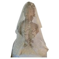 Exquisite 19th C. Brussels applied net lace wedding shawl : etole : floral : bouquet motifs