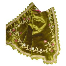 Pretty 19th C. French moss green velvet valance : pelmet : ribbon work flowers & foliage