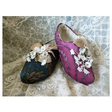 Charming hand made French clogs floral bouquet : bows : metalique lace : doll projects : circa 1920's