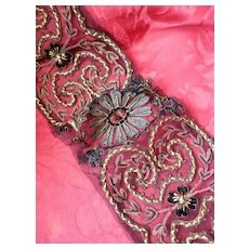 Superb French flapper hand embroidered haute couture net sample applique :  metallic , chenille , silk threads : faux jewels