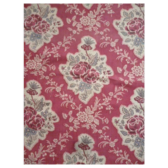 Delicious French Toile de Jouy fabric : old sample : rose floral & foliage vignettes : projects