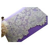 Exquisite antique hand made ecru fine bobbin lace flounce : floral motifs : decorative fillings : collection projects : 6 yards long