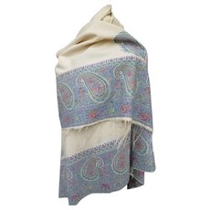 Beautiful early 19th century blue and cream center  Paisley : kashmir : cachemire square shawl