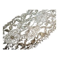 Superb flounce of hand made antique French silver metallic lace : 56 inches long