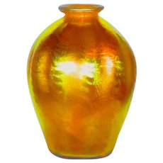 Tiffany Favrile Gold Iridescent Art Glass Vase w/Outstanding Color