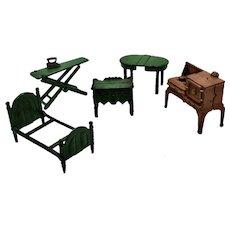 5 Vintage Kilgore Cast Iron Pieces of Doll House Furniture