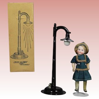 Vintage Doll Size Street Lamp Toy in Orig Box!