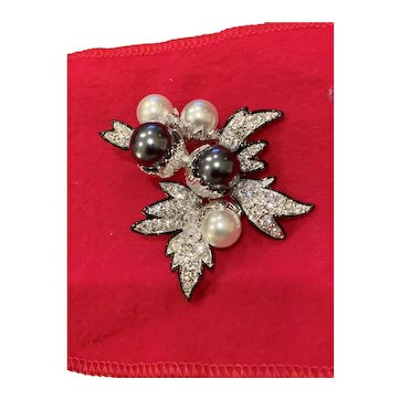 Kenneth J Lane Simulated Black,White Pearl and Crystal Brooch