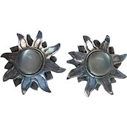 Whimsical Vintage Sterling Silver Moonbeam Post Earrings With Cat's Eye Moonstone